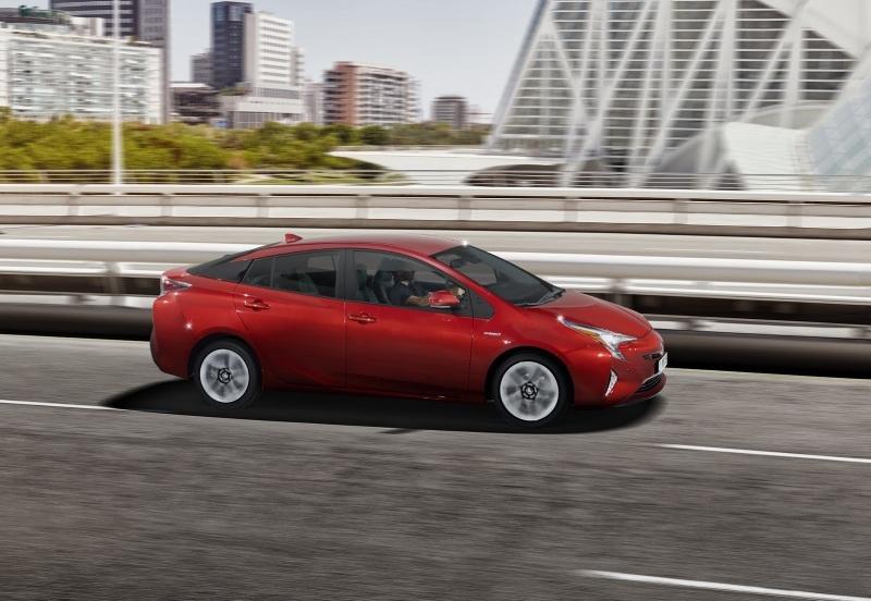 EU-2016-Toyota-Prius-8.jpg