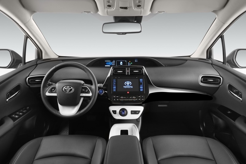 EU-2016-Toyota-Prius-16.jpg