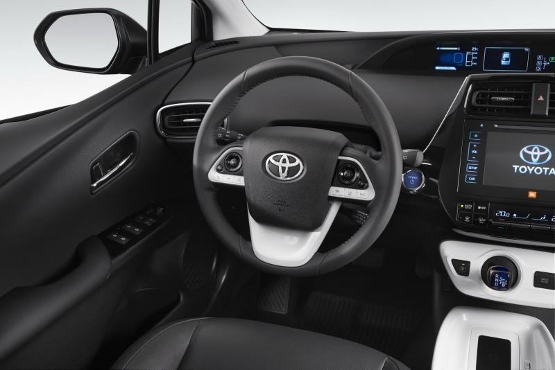 EU-2016-Toyota-Prius-17.jpg