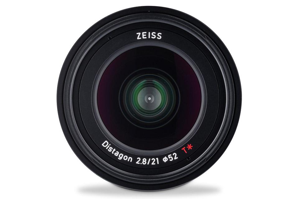Zeiss_Loxia_2-21mm_tinhte_3.jpg