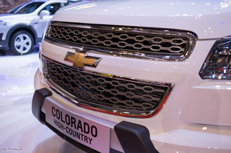 Chevrolet_Colorado_High-Country_VMS_2015_2.jpg