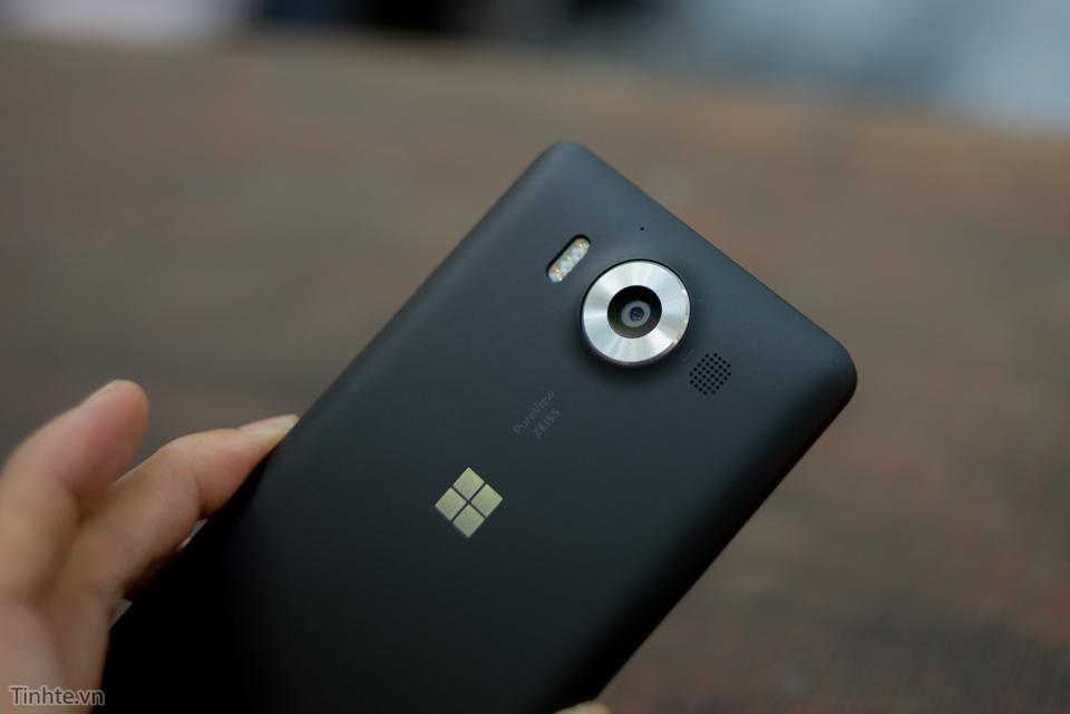 Microsoft_Lumia_950-8.jpg