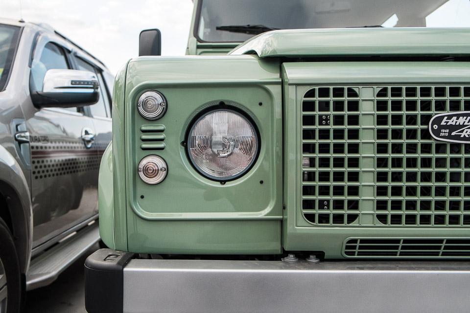 Land Rover Defender Heritage Edition_tinhte.vn-1484.jpg