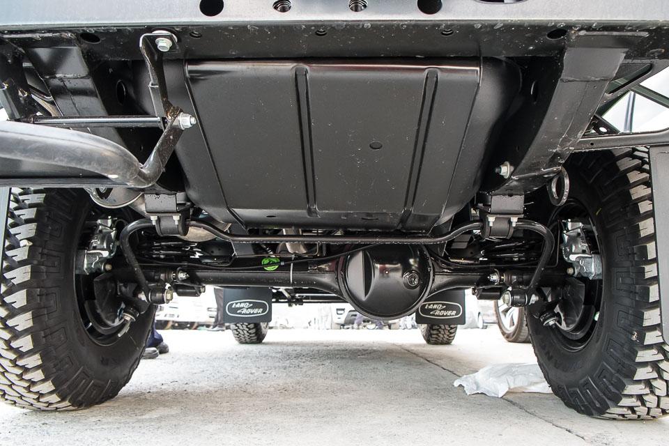 Land Rover Defender Heritage Edition_tinhte.vn-1550.jpg
