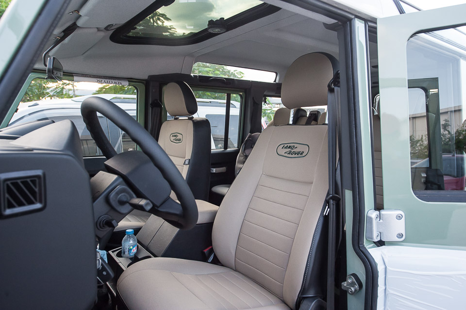 Land Rover Defender Heritage Edition_tinhte.vn-2021.jpg