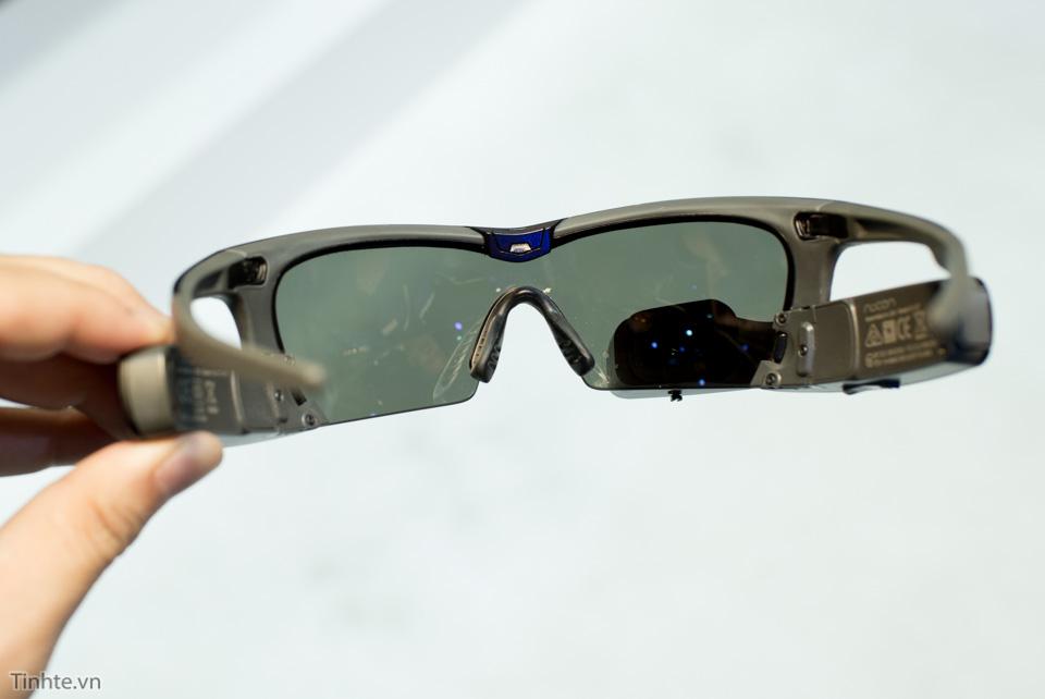 Tinhte_tren_tay_smart_recon_glass-10.jpg