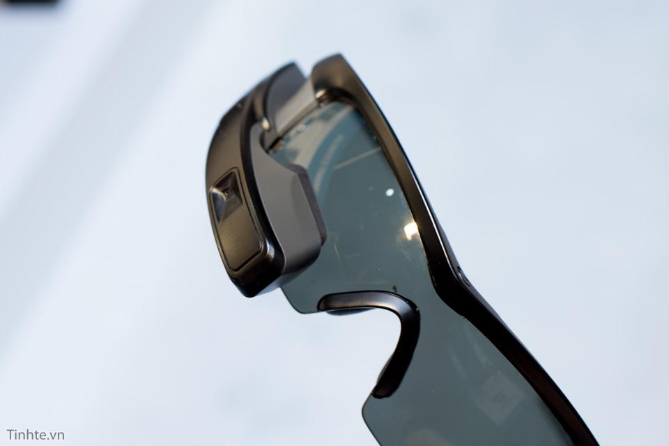 Tinhte_tren_tay_smart_recon_glass-11.jpg