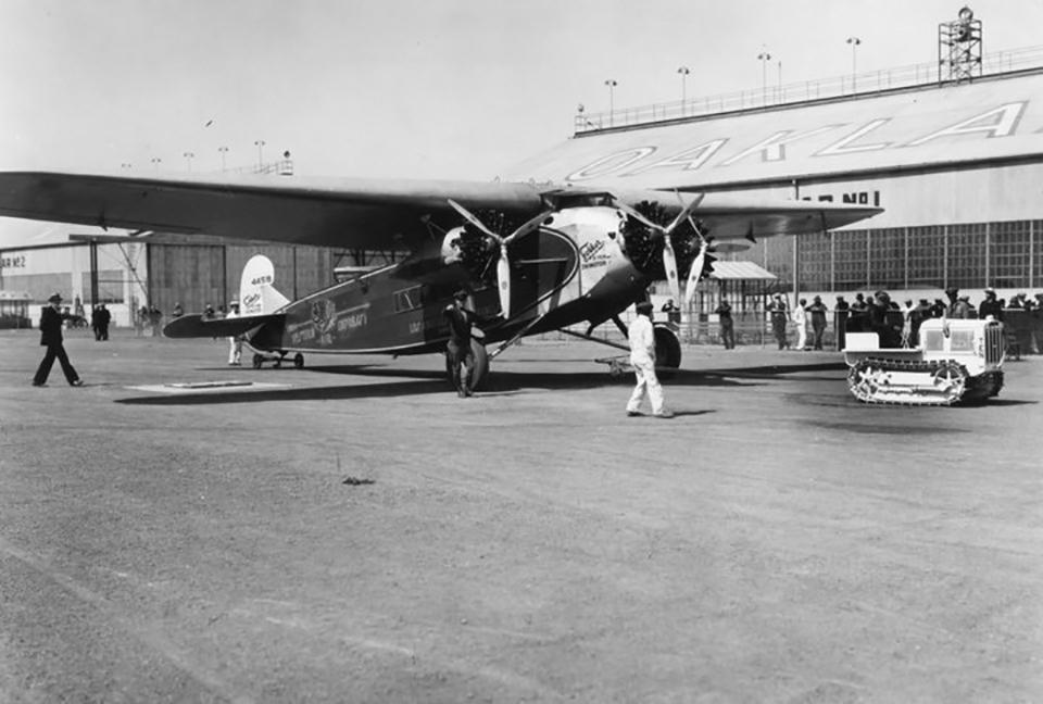 Fokker_F.10.jpg