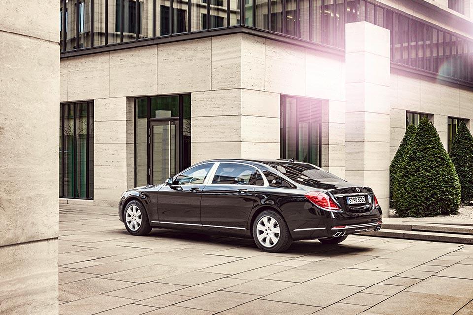 Mercedes-Maybach_S_600_Guard_tinhte_3.jpg