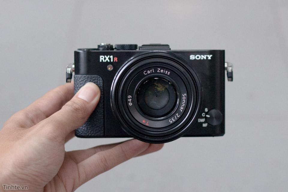 Sony_RX1R_II_tren-tay_tinhte_1.jpg
