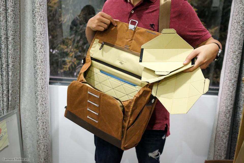 Tren tay Peak Design Everyday Messenger Bag-3.jpg