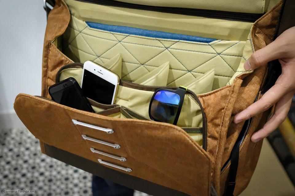 Tren tay Peak Design Everyday Messenger Bag-18.jpg