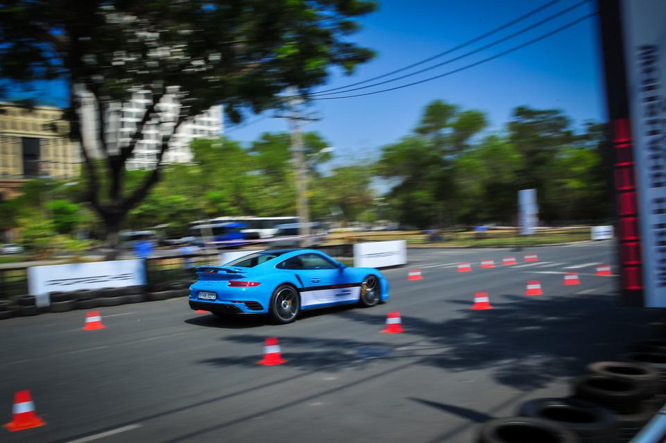 Xe.Tinhte.vn-Porsche-World-Roadshow-Vietnam-2016-Braking-5.jpg