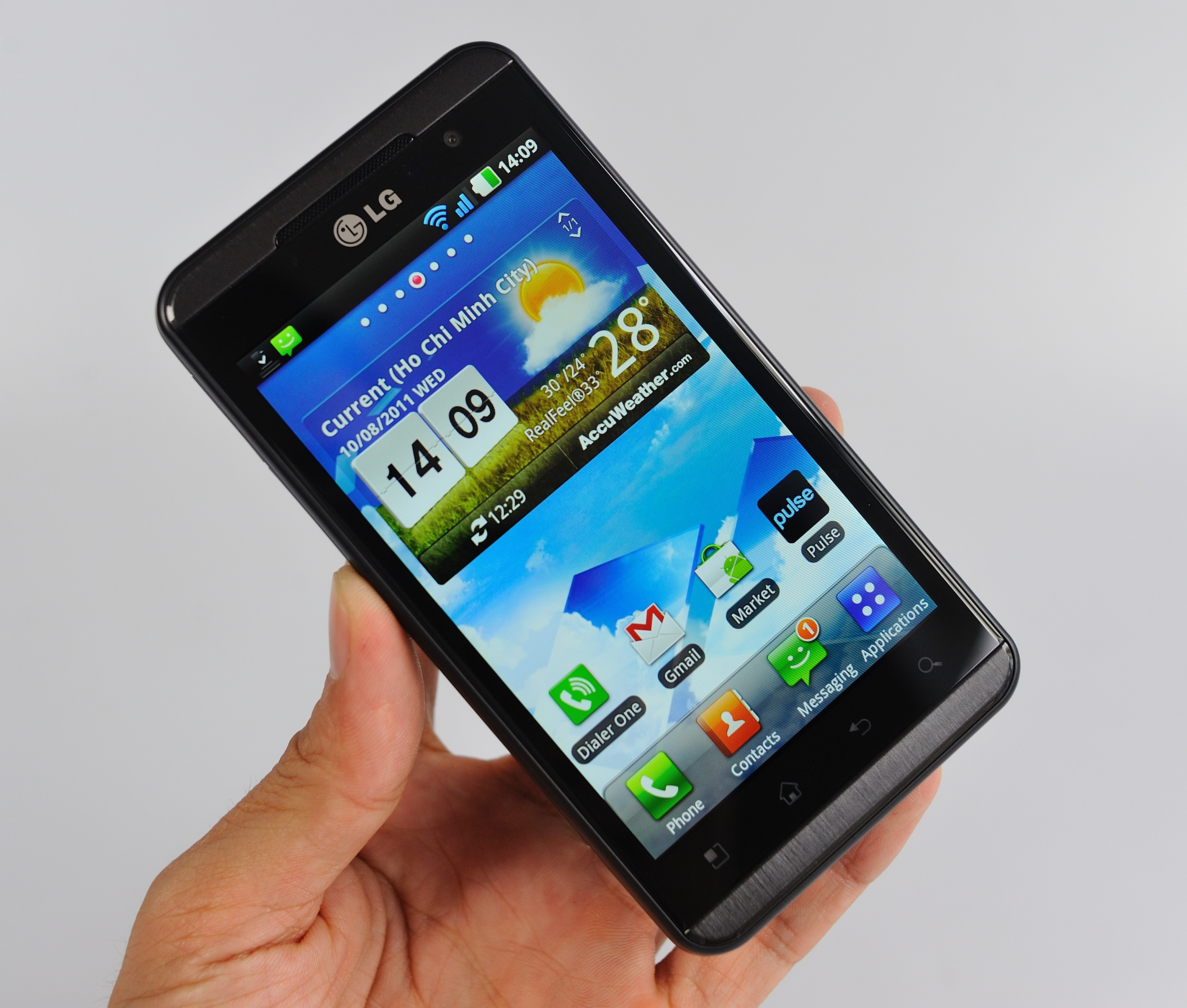 LG_Optimus_3D_Tinhte21.jpg