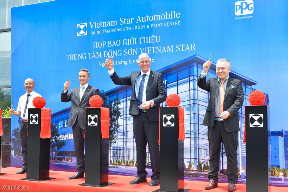 Vietnam_Star_trung-tam_dong-son_xe_tinhte_1.jpg
