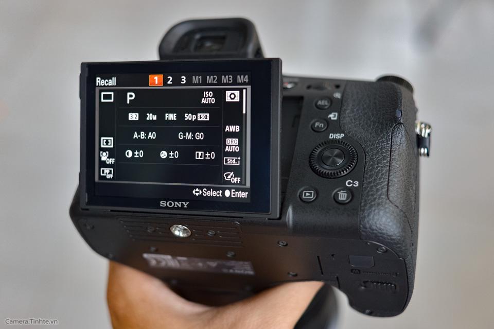 Sony_Cyber-shot_RX10_III_tinhte_10.jpg