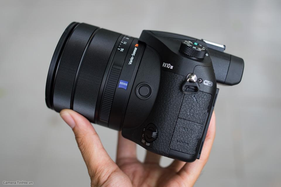 Sony_Cyber-shot_RX10_III_tinhte_18.jpg