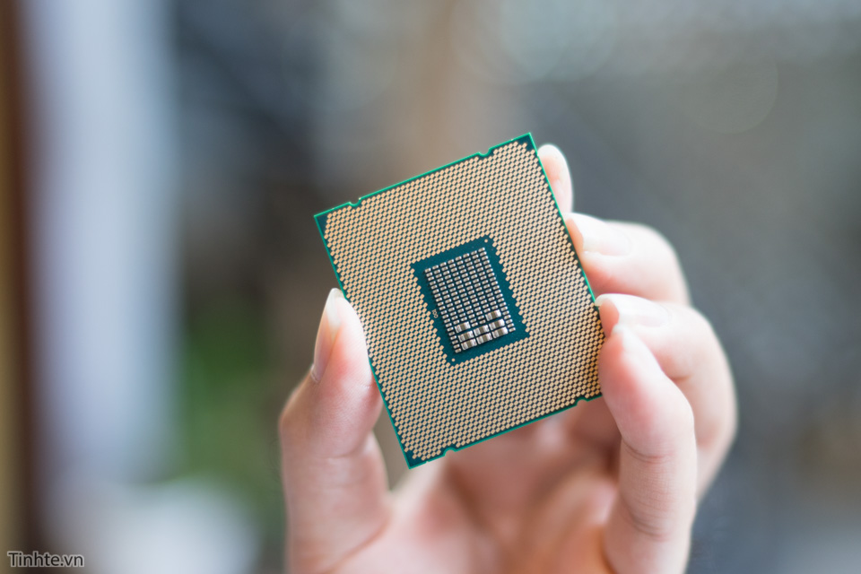 Intel6900k-2.jpg