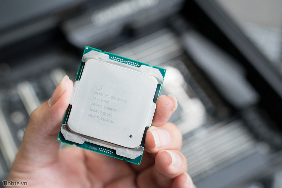 Intel6900k-1-3.jpg