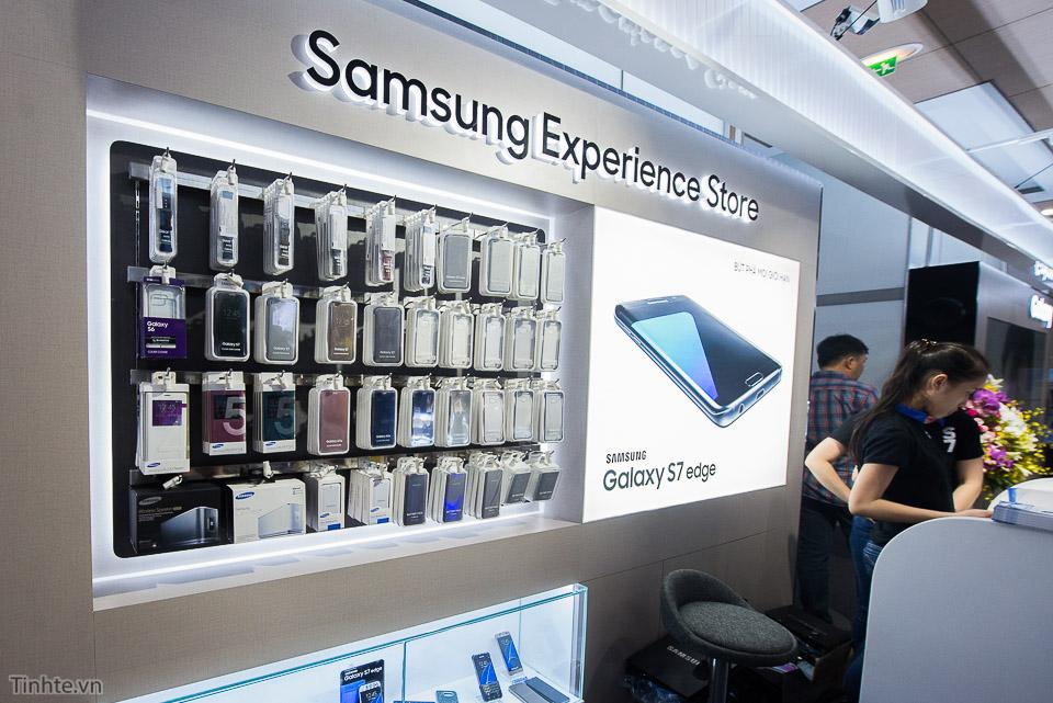 Khai truong Samsung Store  - Tinhte.vn-13.jpg