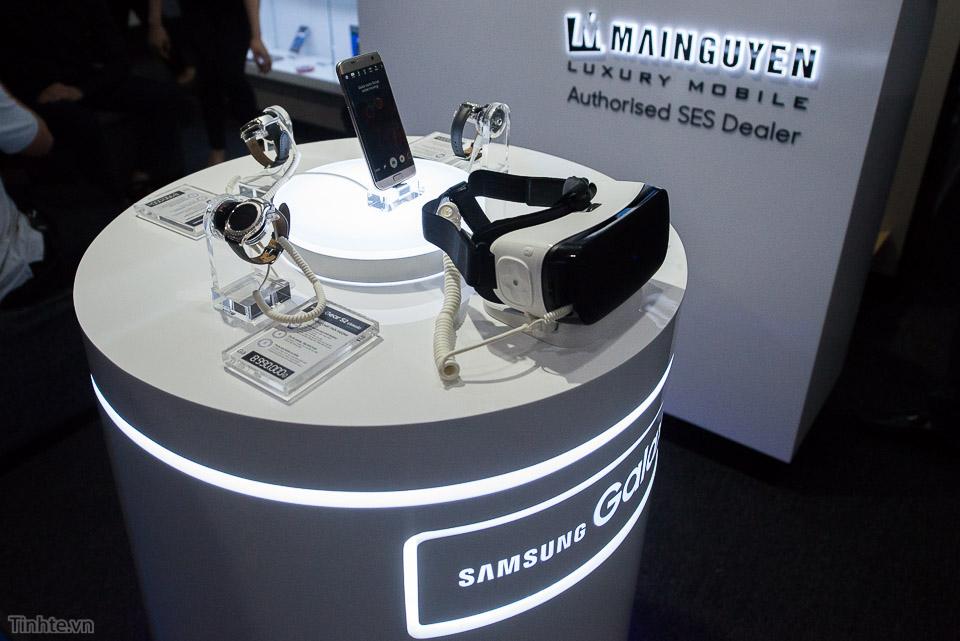 Khai truong Samsung Store  - Tinhte.vn-15.jpg