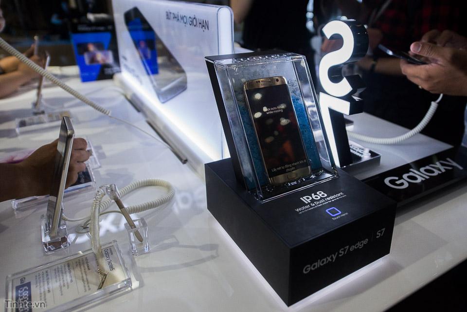 Khai truong Samsung Store  - Tinhte.vn-16.jpg