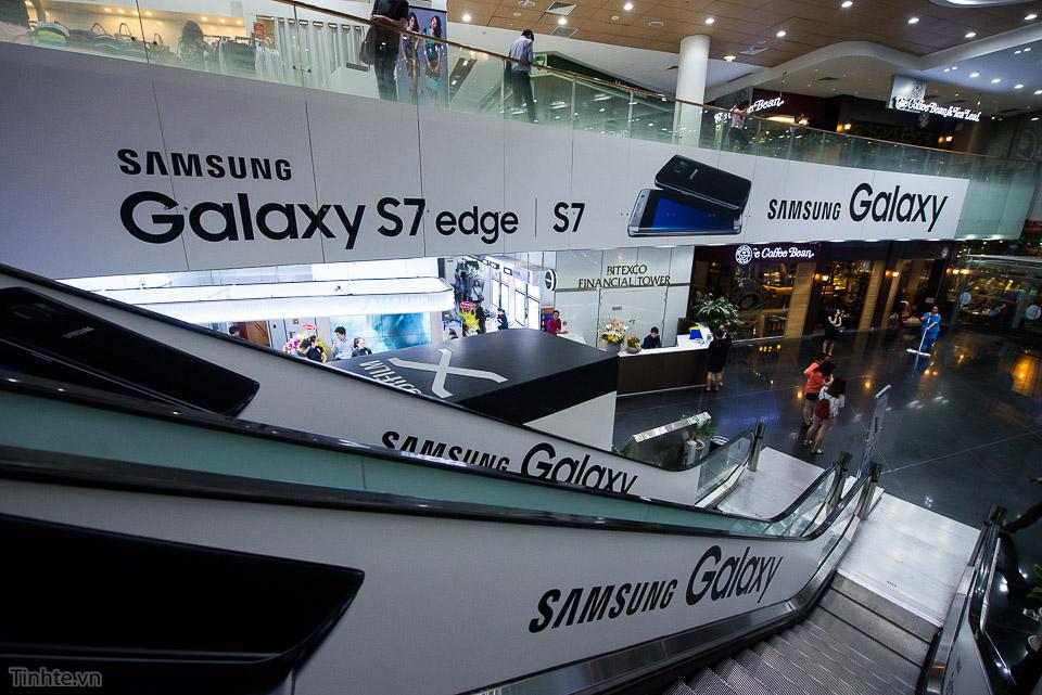 Khai truong Samsung Store  - Tinhte.vn-17.jpg