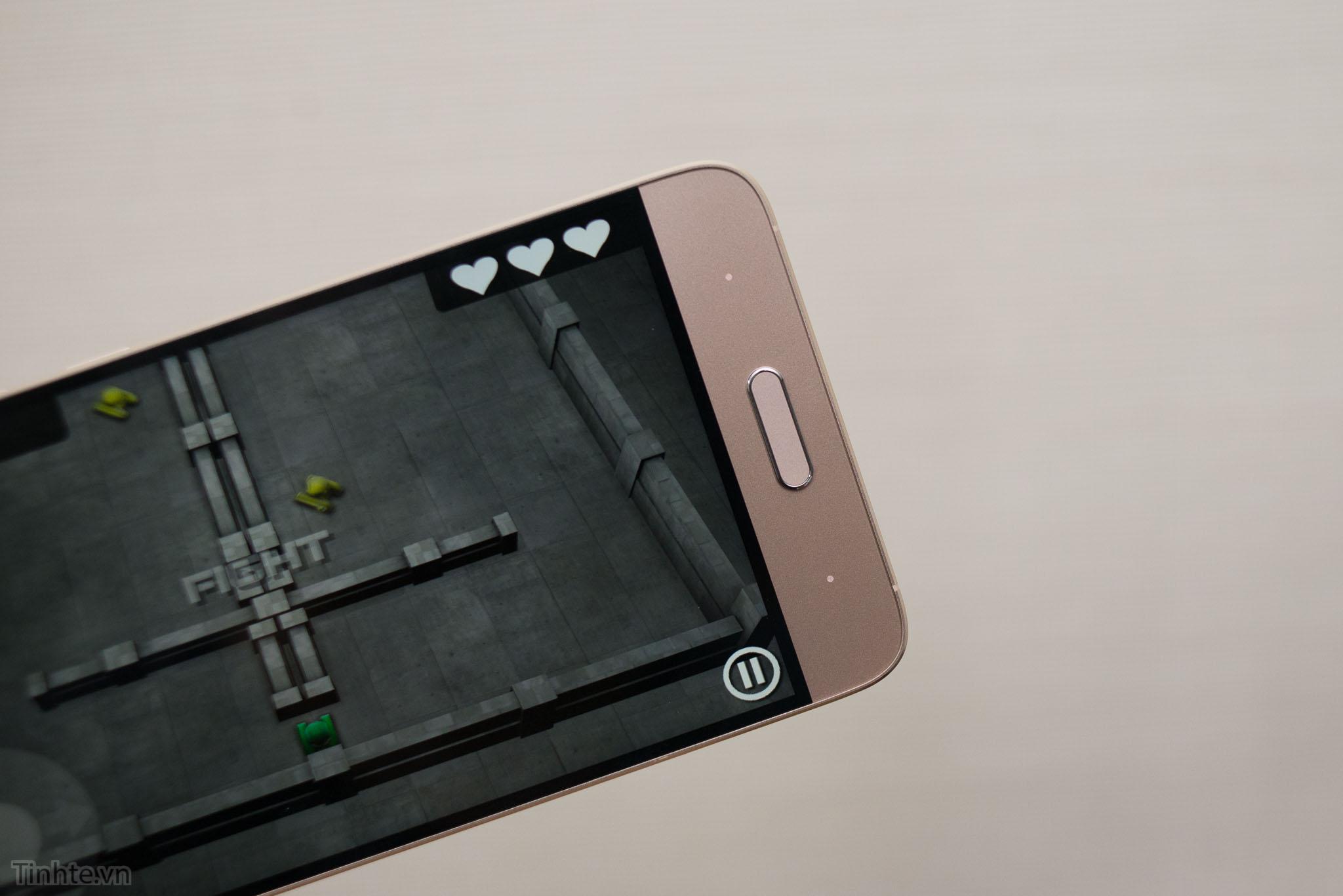 Xiaomi_Mi5_chinh_hang_tren_tay_tinhte.vn-5.jpg