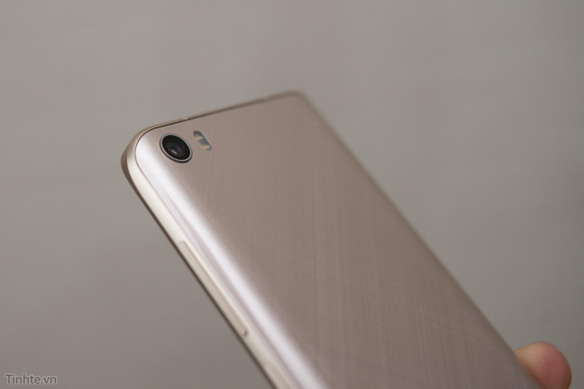 Xiaomi_Mi5_chinh_hang_tren_tay_tinhte.vn-10.jpg