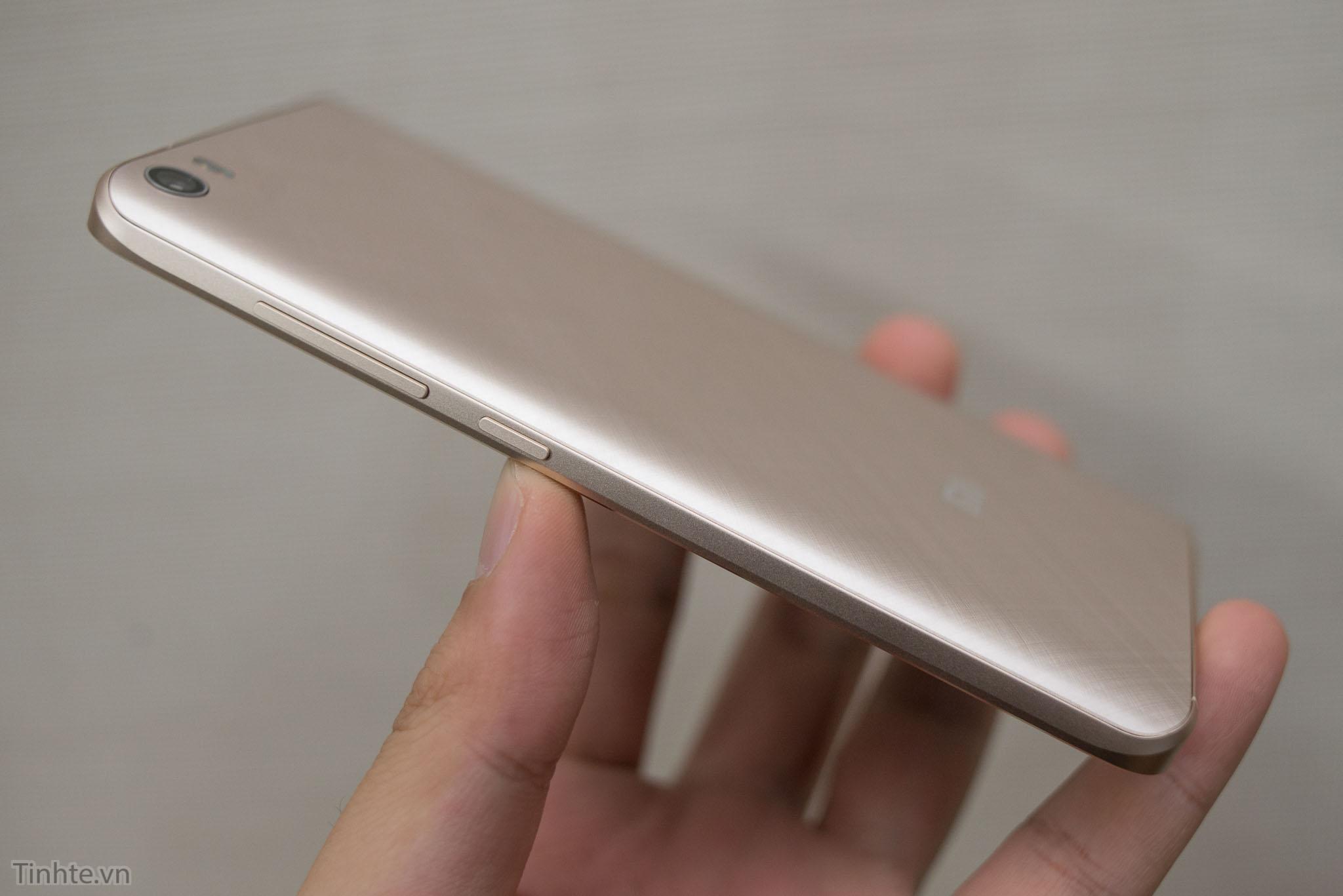 Xiaomi_Mi5_chinh_hang_tren_tay_tinhte.vn-16.jpg
