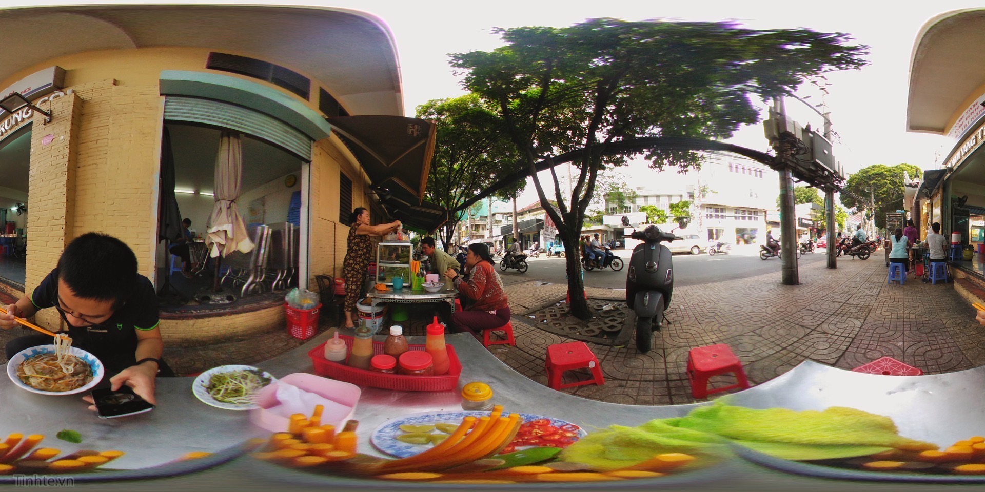 street side breakfast.JPG