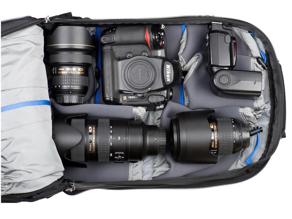 Shapeshifter-17-V2-WEB_0009_Shapeshifter-17-Gear-Exposed-Nikon-DSC_8096-Edit.jpg