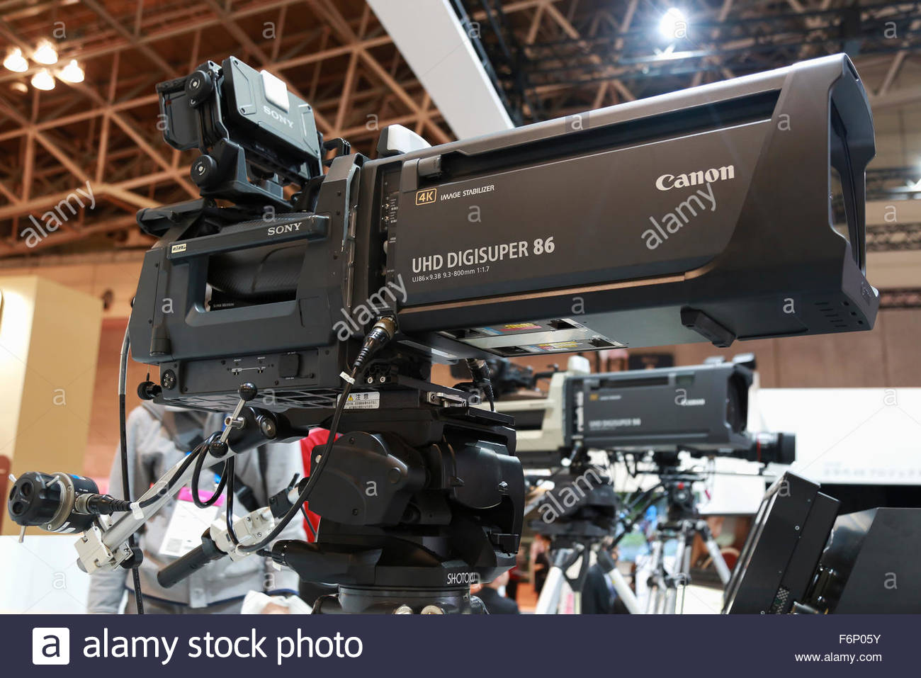 canon-4k-lenses-for-tv-cameras-on-display-during-the-international-F6P05Y.jpg