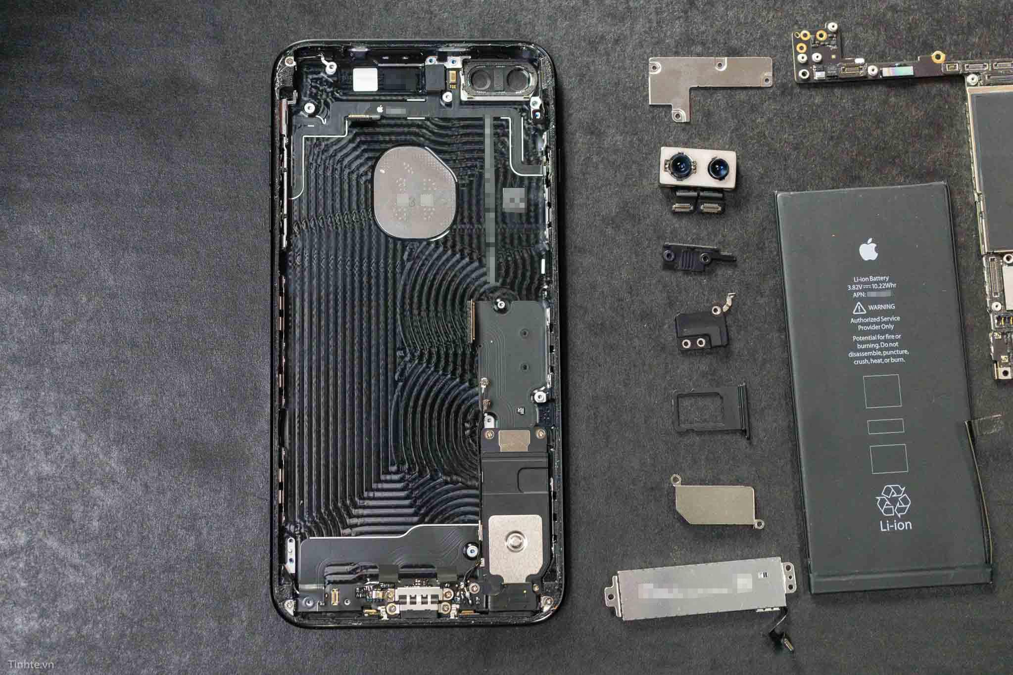 ben-trong-iphone-7-plus-tinhte-4.jpg