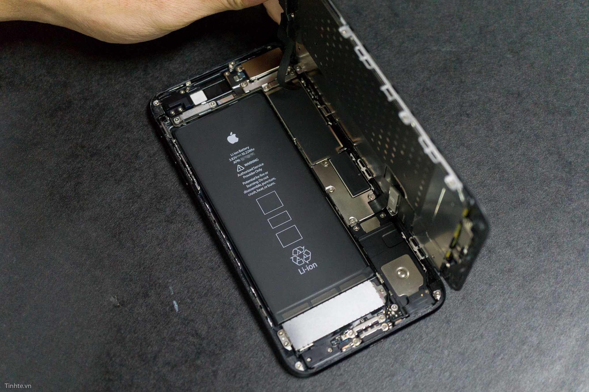 ben-trong-iphone-7-plus-tinhte-19.jpg
