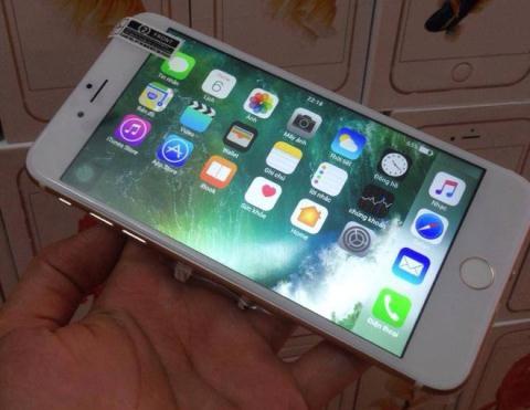 trung-quoc-ho-bien-iphone-7-chay-android-nguoi-viet-van-me_81038569.jpg