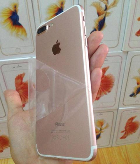 trung-quoc-ho-bien-iphone-7-chay-android-nguoi-viet-van-me_81038978.jpg