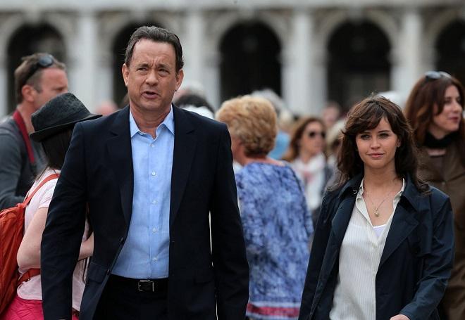 Tom Hanks (4).jpg