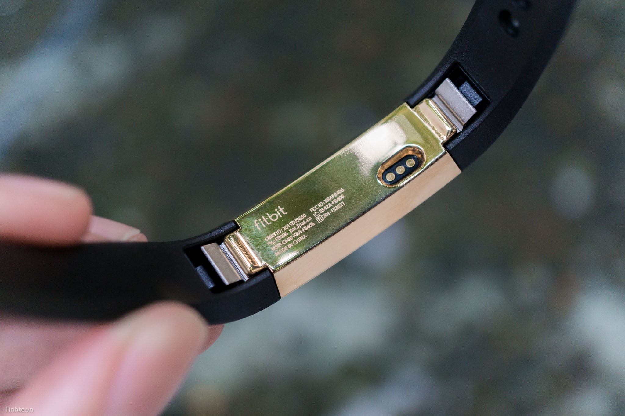 fitbit-alta-gold-tinhte-25.jpg