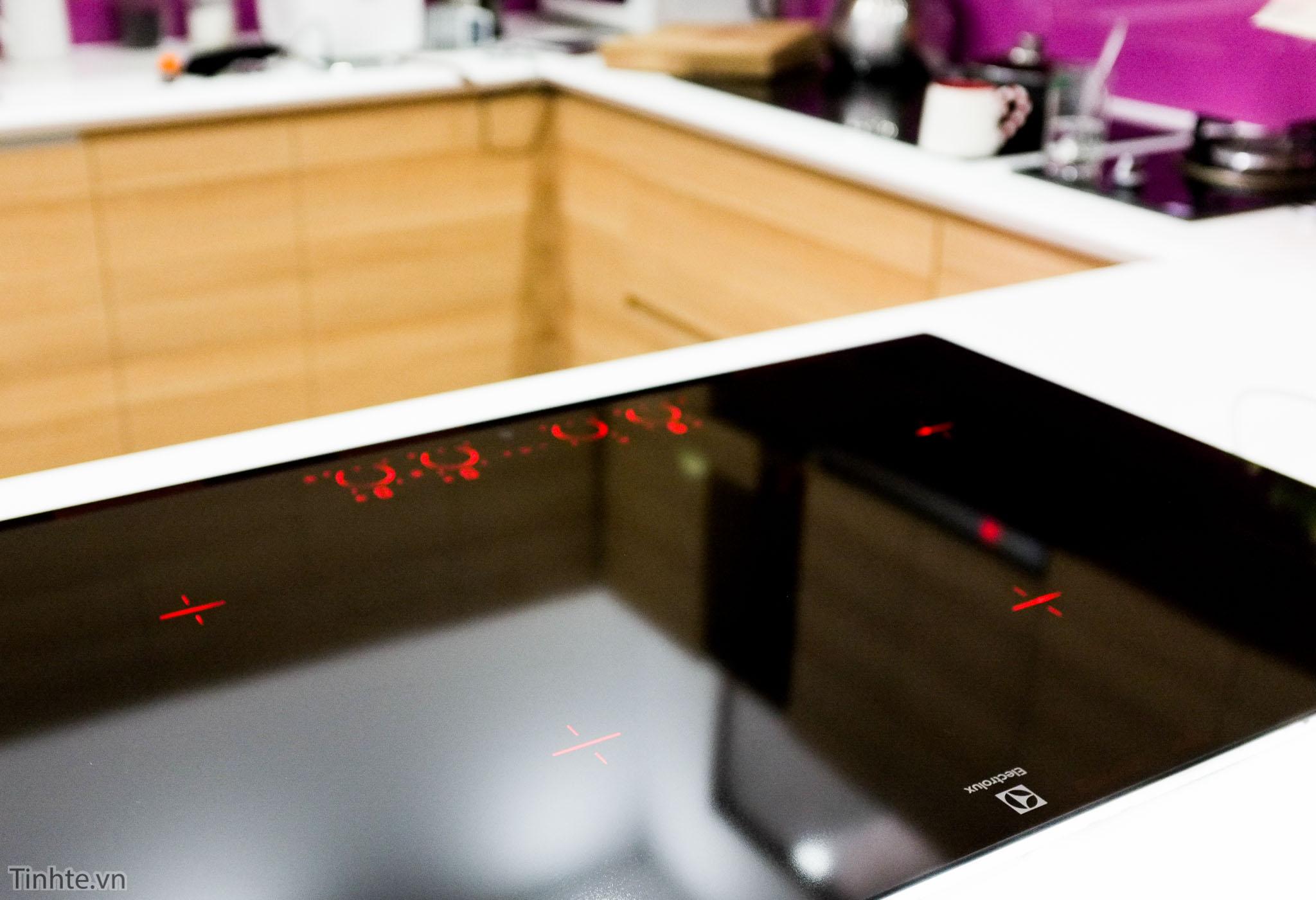 tinhte-electrolux-EHD8740FOK-7.jpg