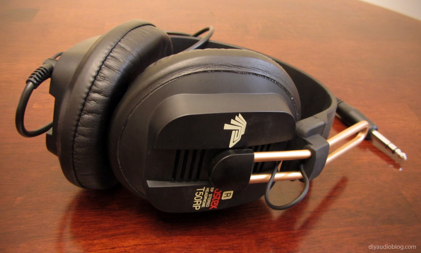 Fostex-T50RP-Headphones.jpg