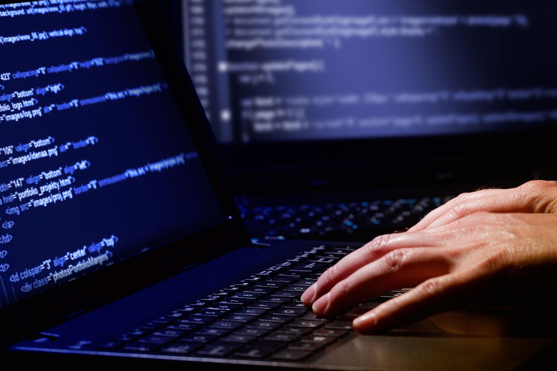 hacker_password_hack_luu_database.jpg