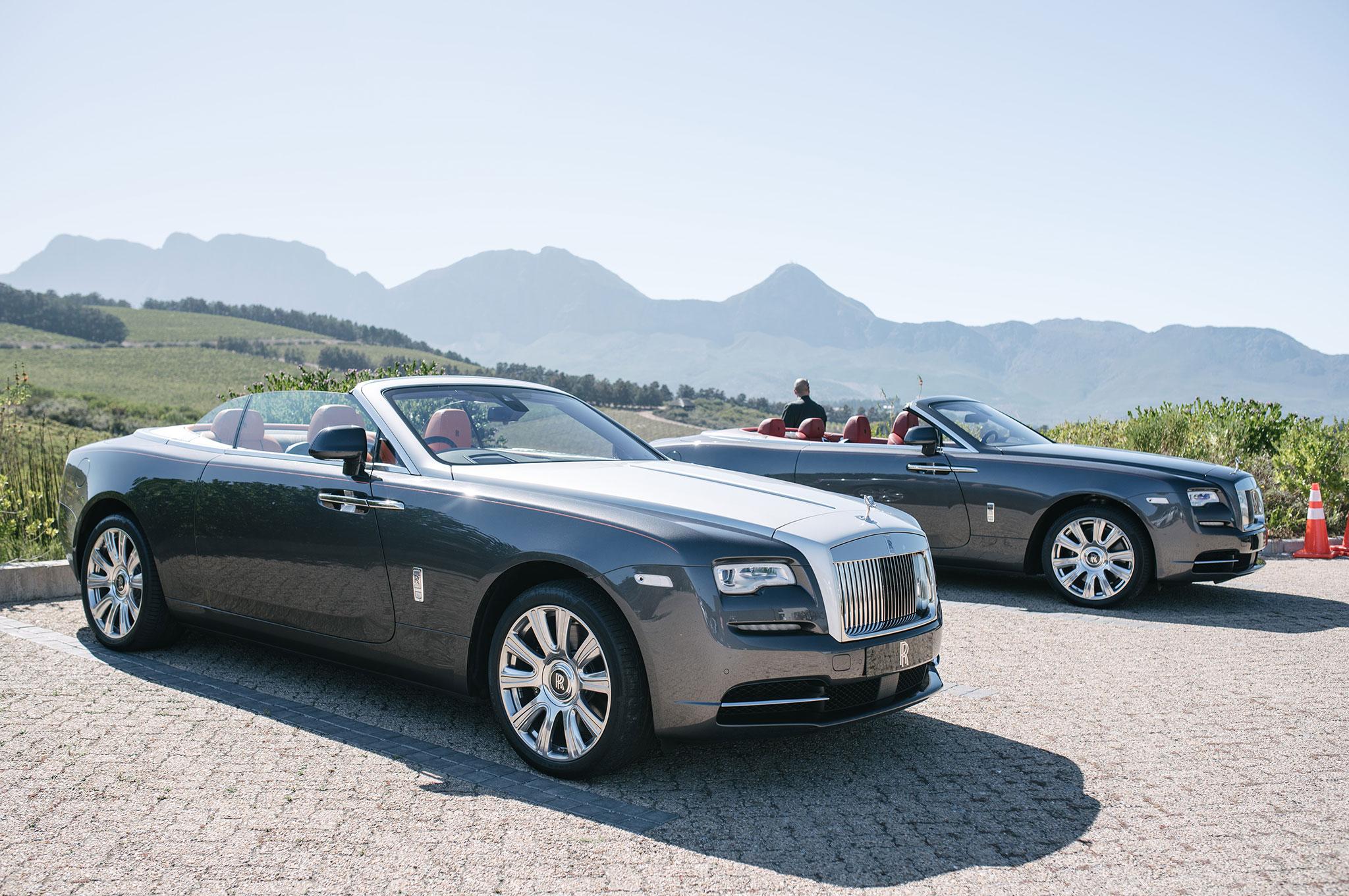2016-Rolls-Royce-Dawn-group-02.jpg