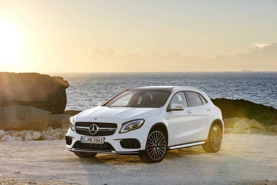 2017-Mercedes-GLA-22.jpg