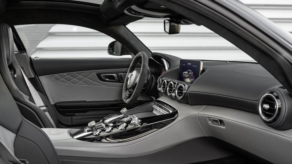 Mercedes-AMG_GT_2018_19.jpg