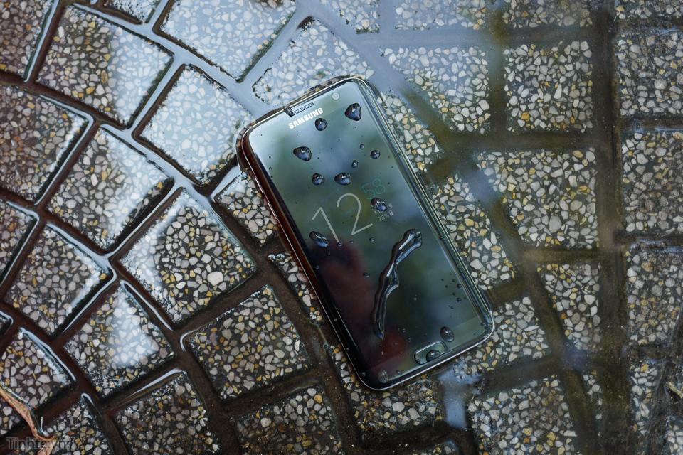 Galaxy_S7_Edge.jpg