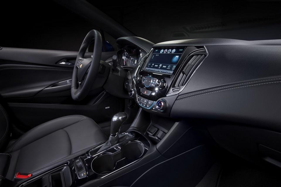2017-Chevrolet-Cruze-Diesel-2.jpg