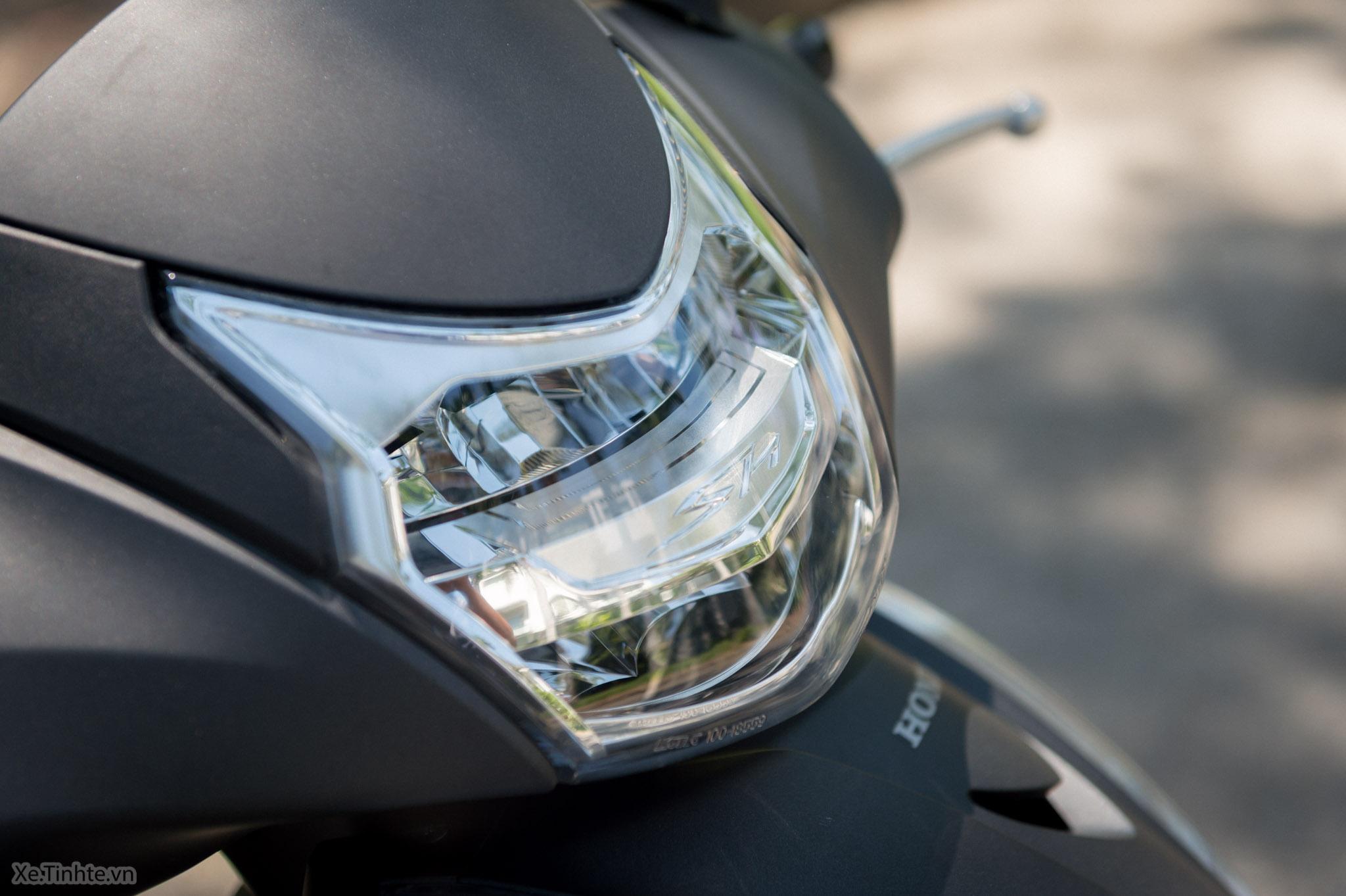 Xe.Tinhte.vn-Honda-SH300i-Italy-9.jpg