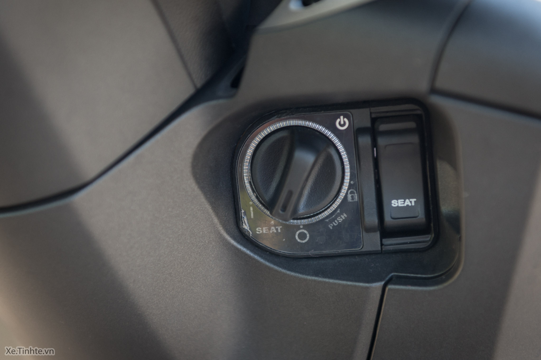 Xe.Tinhte.vn-Honda-SH300i-Italy-14.jpg