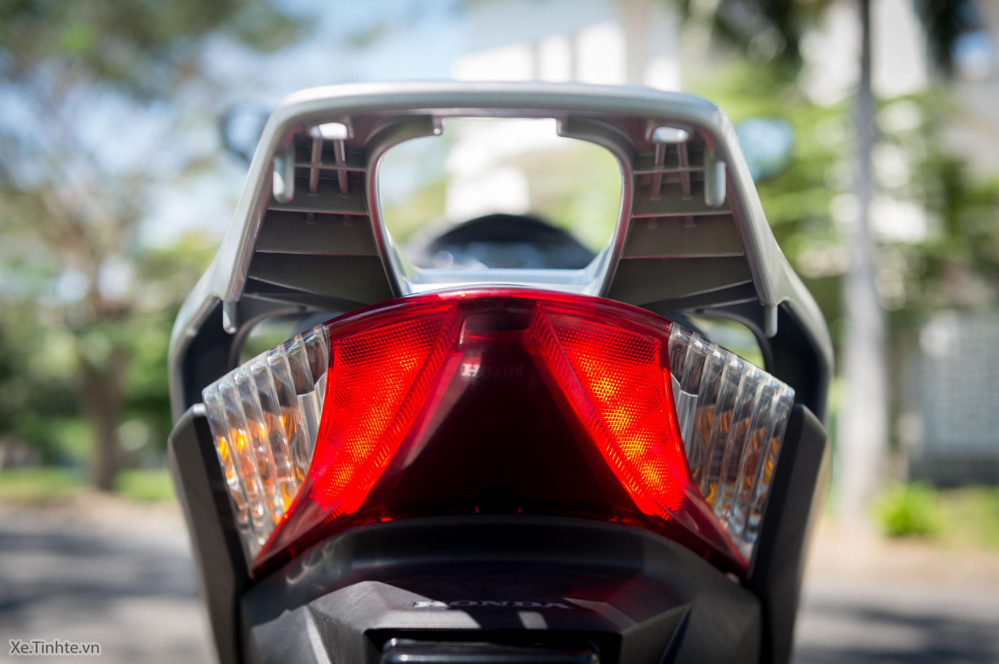 Xe.Tinhte.vn-Honda-SH300i-Italy-33.jpg